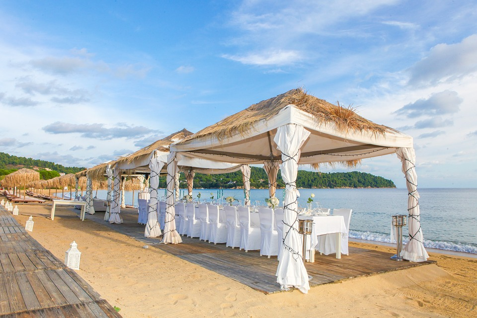 wedding gazebos for your beach destination wedding